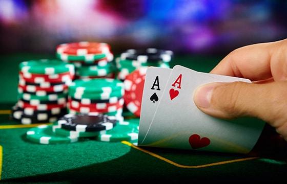 Tentang Poker dan Baccarat - permainan kartu terbaik