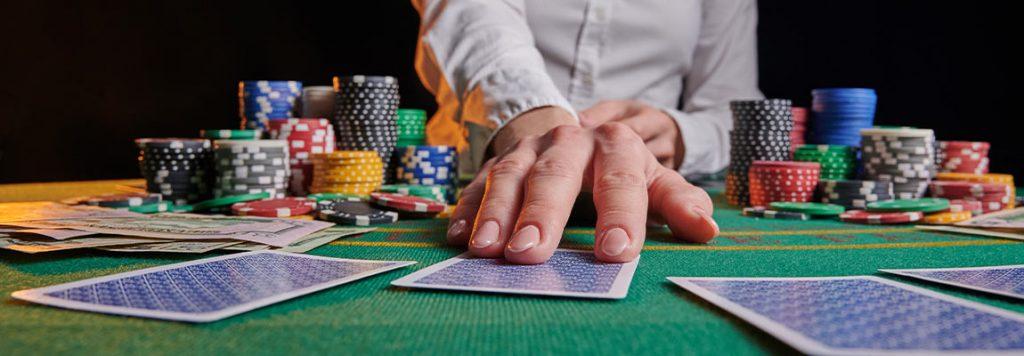 Cum să câștigi la poker